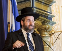 Rabbi Lau visit